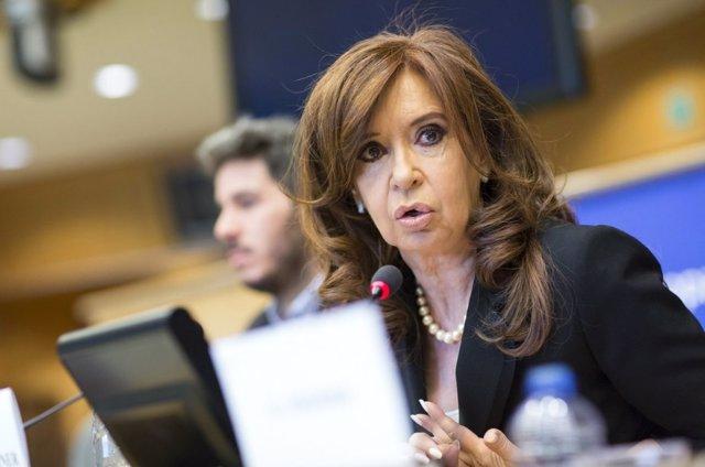 Archivo -    En la última comparecencia de la expresidenta de Argentina, Cristina Fernández de Kirchner, en el Parlamento Europeo, la exmandataria ha aprovechado para cargar contra la Corte Suprema de Justicia en Argentina, contra la 'ley 2x1', contra el