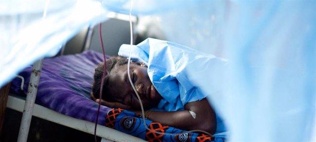 Archivo - Los mosquiteros tratados con insecticida son una de las herramientas más eficaces contra la malaria.