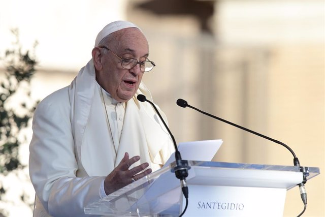 """07 October 2021, Italy, Rome: Pope Francis delivers a speech during the interreligious meeting 'Brother peoples, future land"""" organized by the Community of Sant'Egidio ·at Rome's Colosseum Photo: Evandro Inetti/ZUMA Press Wire/dpa"""