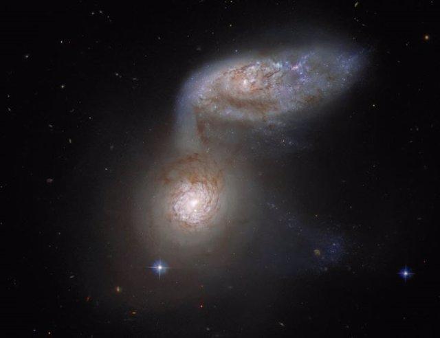 Las dos galaxias que integran Arp 91