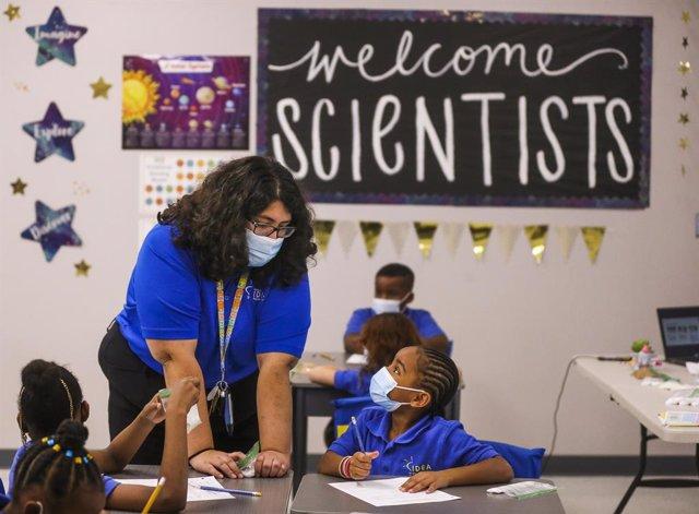 Un aula de una escuela de educación primaria en Tampa, Florida.