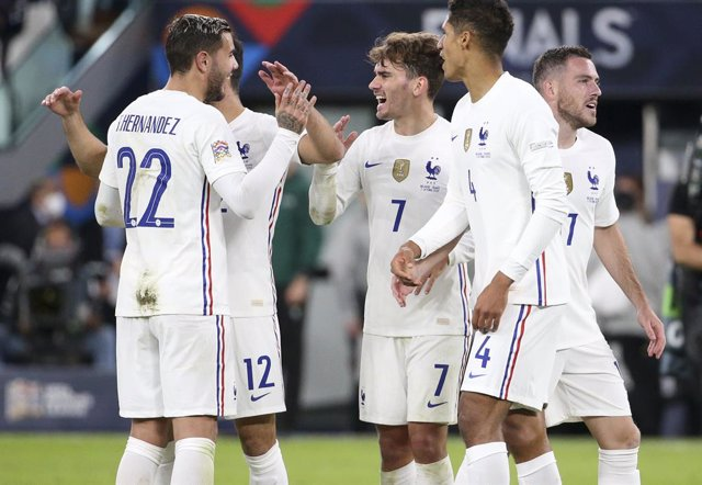Antoine Griezmann of France and teammates celebrate the victory following the UEFA Nations League, Semi-final football match between Belgium and France on October 7, 2021 at Allianz Stadium in Turin, Italy - Photo Jean Catuffe / DPPI