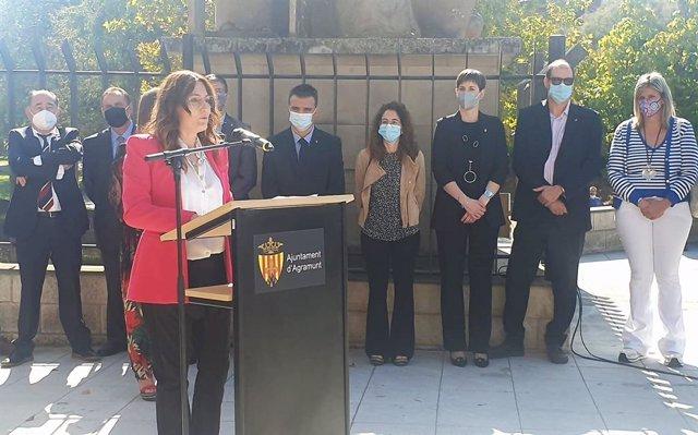 La consellera de la Presidència de la Generalitat, Laura Vilagrà, en la XXXII Fira del Torró i la Xocolata a la Pedra d'Agramunt (Lleida)