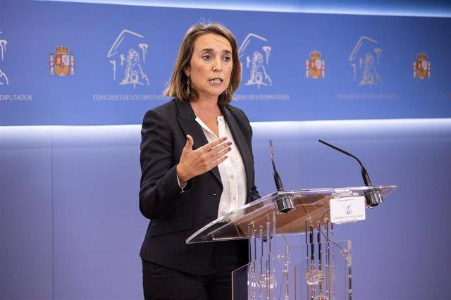 La portavoz parlamentaria del PP, Cuca Gamarra, durante una rueda de prensa posterior a la Junta de Portavoces en el Congreso de los Diputados, a 5 de octubre de 2021, en Madrid, (España)