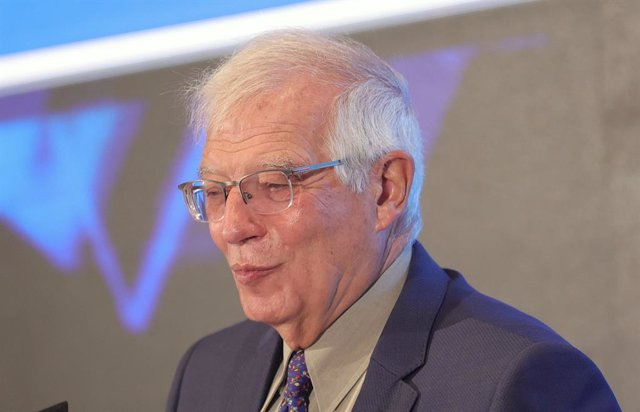 El alto representante de la UE para Asuntos Exteriores, Josep Borrell, interviene en un Desayuno Informativo de Nueva Economía Fórum en el Hotel Mandarin Oriental Ritz, a 8 de octubre de 2021, en Madrid, (España).