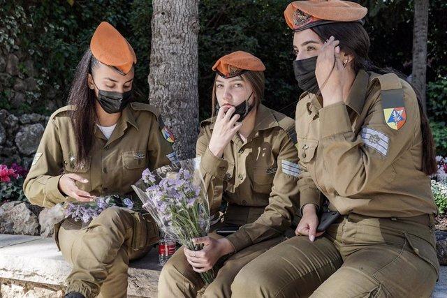 Dones militars de l'Exèrcit israelià