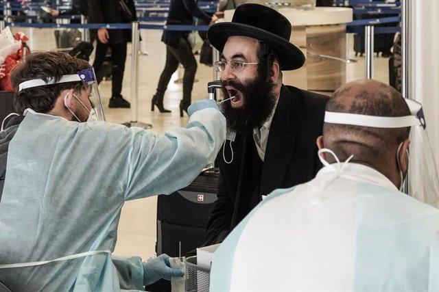 Archivo - Arxiu - Prova COVID en l'Aeroport Internacional Ben Gurion de Tel Aviv