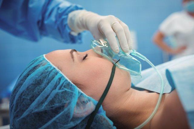 Archivo - Quírofano, cirugía, anestesía