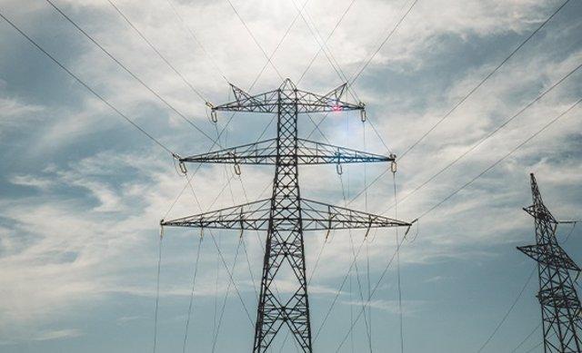 Archivo - Tendido eléctrico en Australia