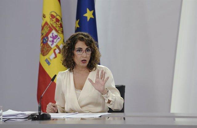 Arxiu - La ministra d'Hisenda i Funció Pública, Maria Jesús Montero