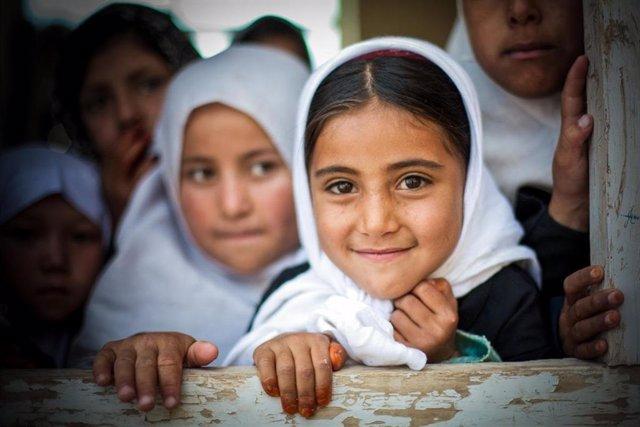 Archivo - Informe Rompiendo Cadenas de World Vision sobre matrimonio infantil
