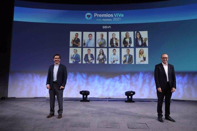 El presidente de BBVA, Carlos Torres, y el consejero delegado de la entidad, Onur Genç, en el evento global del BBVA Values Day de 2021