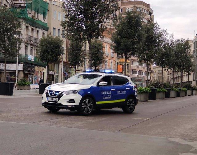 Archivo - Arxiu - Imatge de recurs d'un cotxe de la Policia Municipal de Sabadell