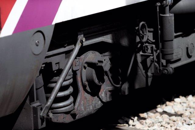 Archivo - Arxiu - Imatge de recurs de les rodes d'un tren de Renfe