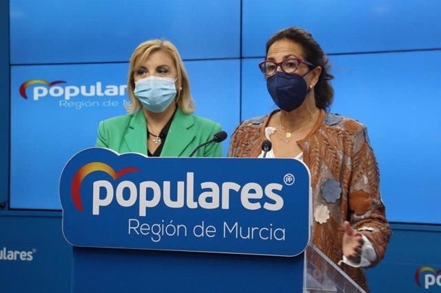 La diputada del PP Isabel Borrego i la senadora Violante Tomás