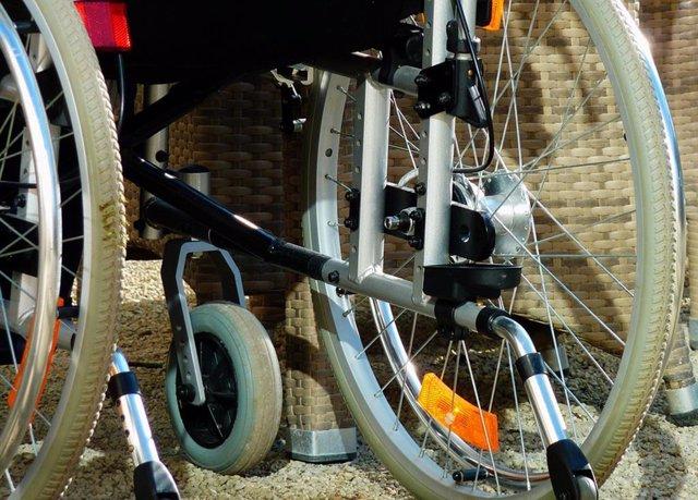 Archivo - Silla de ruedas