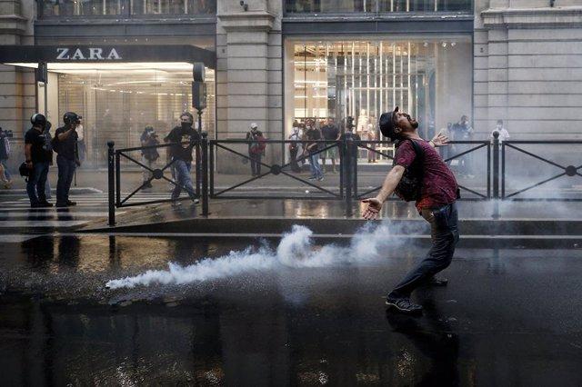Arxiu - Protestes contra el passaport sanitari a Itàlia