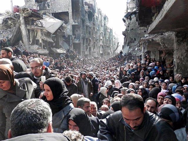 Archivo - Campo de refugiados palestinos de Yarmuk (Siria).