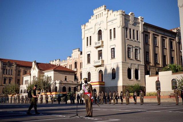 L'inspector general de l'Exèrcit en l'aquarterament del Bruc de Barcelona en el Dia de la Hispanitat