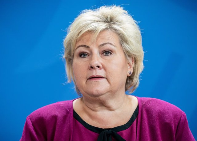 Archivo - FILED - 15 October 2019, Berlin: Norway's Prime Minister Erna Solberg holds a press conference. Following her defeat in the parliamentary election a month ago, Norway's Prime Minister Erna Solberg has submitted her government's resignation. Phot