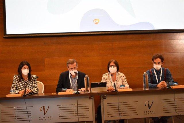 Cuatro de los participantes del 'XIII Curso de LES y SAF de la SER durante su intervención
