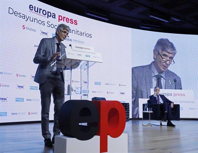 El consejero de Salud de Cataluña, Josep Maria Argimon, interviene en un Desayuno Socio-Sanitarios de Europa Press en el Auditorio El Beatriz, a 13 de octubre de 2021, en Madrid, (España).