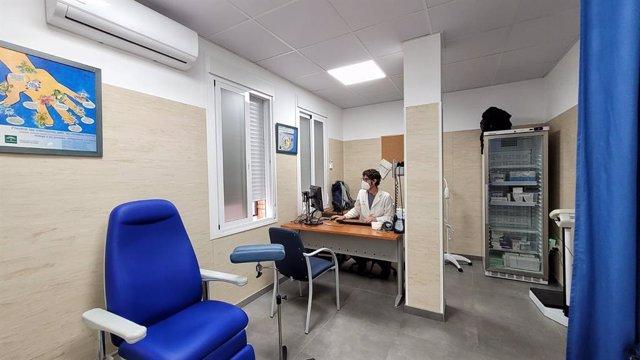 Archivo - El centro de salud de Nerja incorpora dos consultas de Enfermería de Familia