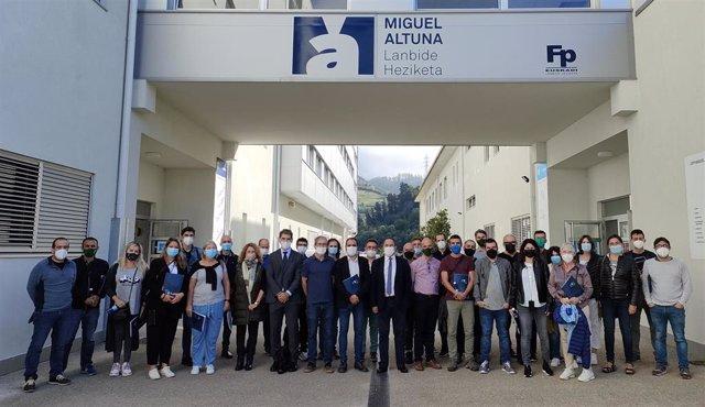 Hasta 30 profesores de Baleares visitan el País Vasco para conocer la digitalización en la Formación Profesional