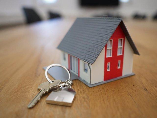 Archivo - Recurso de llaves, firma de hipotecas sobre viviendas