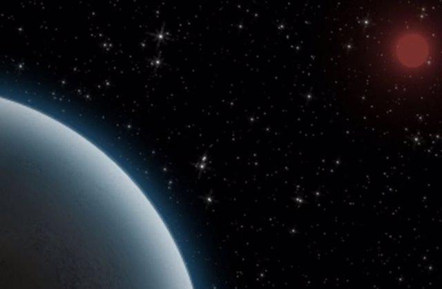 Ilustración del superjúpiter con una luna en primer término