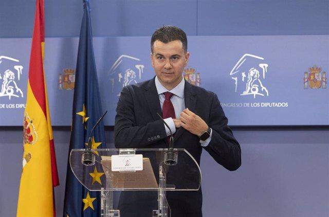 El portavoz del PSOE en el Congreso, Héctor Gómez