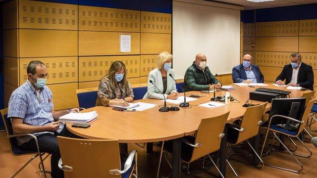 La consejera de Educación y Formación Profesional, Marina Lombó, preside la reunión de la Junta de Personal.
