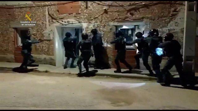 La Guardia Civil interviene cerca de una tonelada de marihuana en Cuenca.