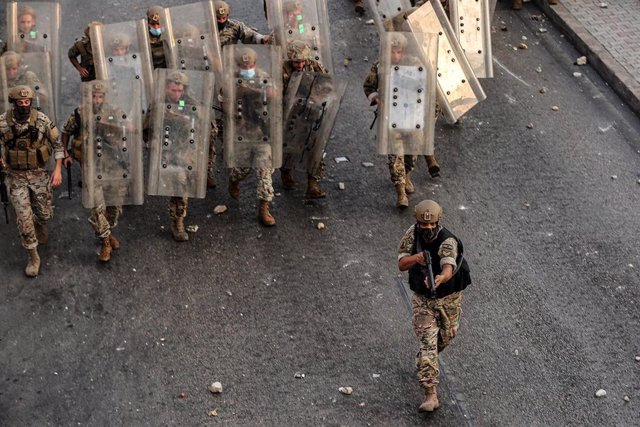 Archivo - Soldados de Líbano durante una protesta en Beirut