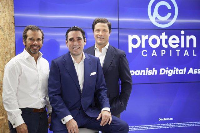 Los fundadores de Protein Capital, de izquierda a derecha: Juan Riva, Alberto Gordo y Enrique López de Ceballos.
