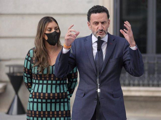 El portavoz parlamentario de Ciudadanos, Edmundo Bal, responde a los medios en el Congreso de los Diputados, a 14 de octubre de 2021, en Madrid, (España).