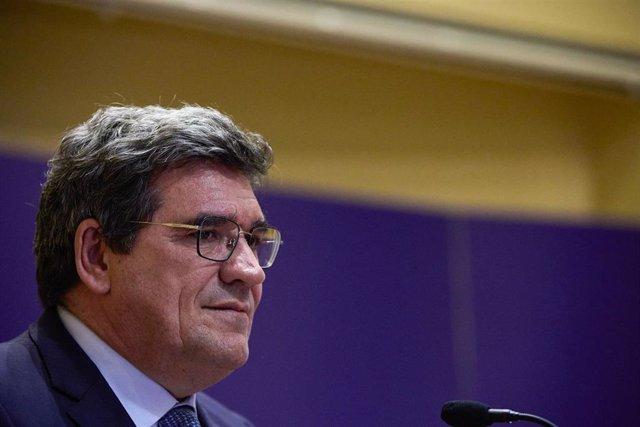 El ministro de Inclusión, Seguridad Social y Migraciones, José Luis Escrivá, presenta las líneas generales de los Presupuestos Generales del Estado para 2022 correspondientes a su cartera.