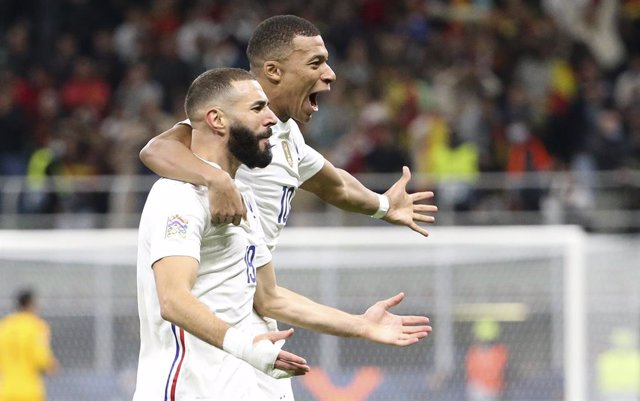 Karim Benzema of France celebrates his goal with Kylian Mbappe during the UEFA Nations League Final football match between Spain and France on October 10, 2021 at Stadio San Siro stadium in Milan, Italy - Photo Jean Catuffe / DPPI