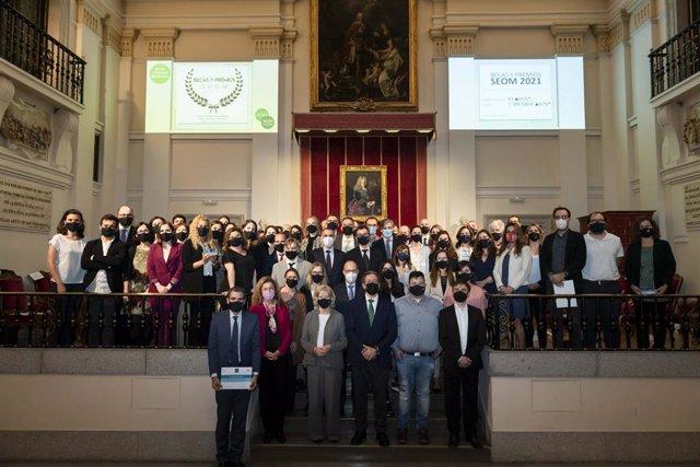 Fotografía de los galardonados a los Premios SEOM