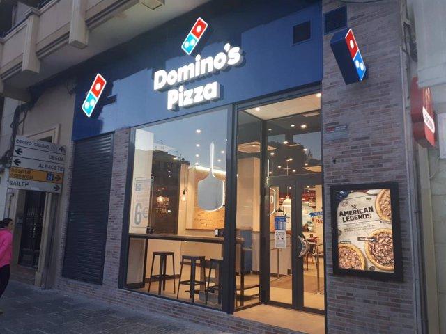 Archivo - Restaurante de Domino's Pizza