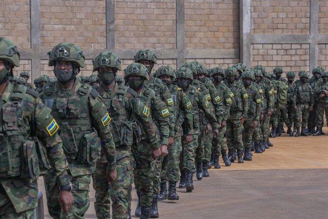 Archivo - Tropas ruandesas ponen rumbo a Mozambique para apoyar la lucha contra el terrorismo yihadista en la provincia de Cabo Delgado.