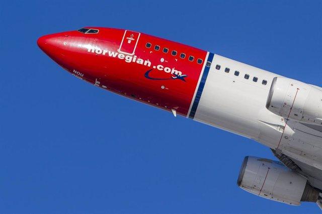Archivo - Imagen de una avión de Norwegian