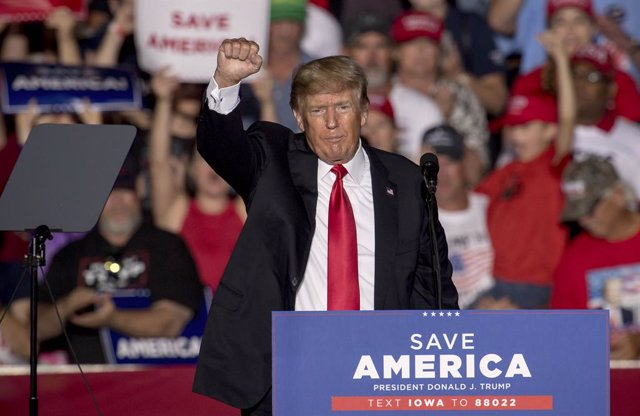 09 October 2021, US, Des Moines: Former US President Donald Trump speaks during a Save America Rally at the Iowa State Fairgrounds. Photo: Brian Cahn/ZUMA Press Wire/dpa