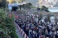Miles de personas marchan en San Sebastián por los presos de ETA con el apoyo de independentistas catalanes