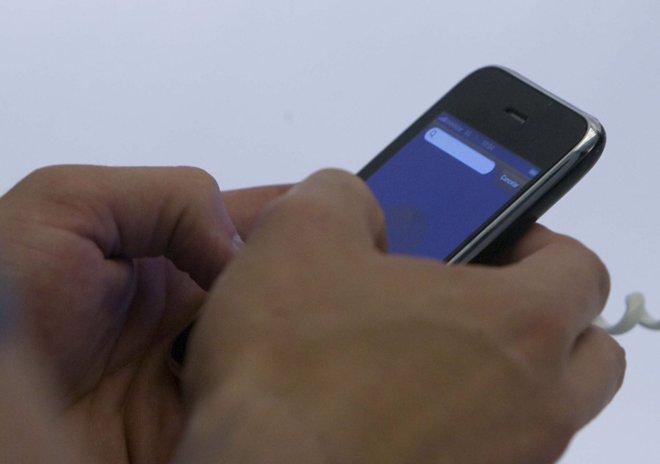 iPhone comprando a través del servicio de pago de Visa.